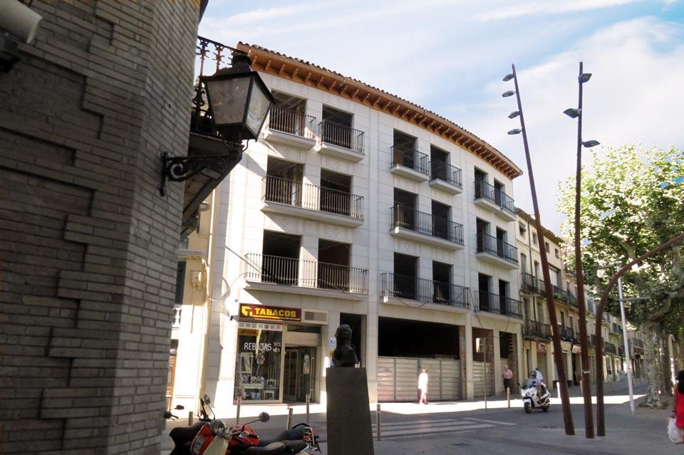 Pisos y �ticos en calle Madrid | Barbastro