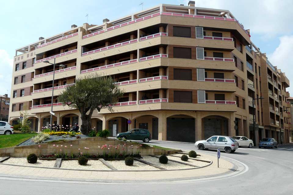 Locales comerciales en edificio Tallada | Barbastro